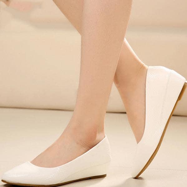 Một (vài) đôi giày đế bệt đơn giản