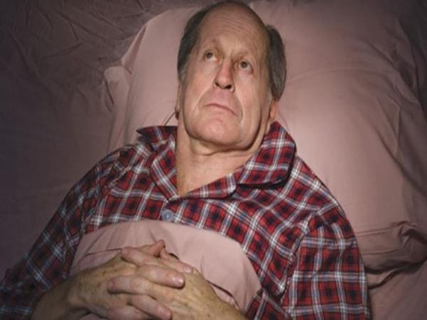 Những câu hỏi thường gặp về chứng mất ngủ ở người già 1