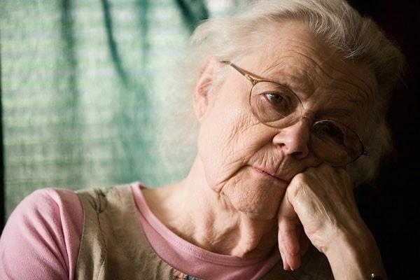Những câu hỏi thường gặp về chứng mất ngủ ở người già 2