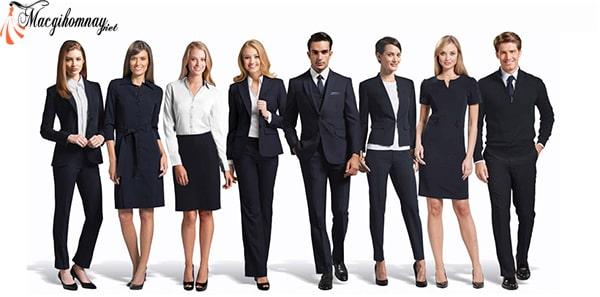 Lựa chọn trang phục phù hợp với công việc