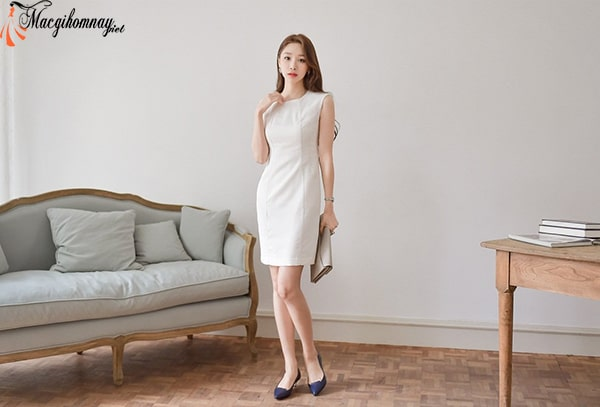 Phụ nữ tuổi 30 nên chọn những trang phục công sở trang nhã