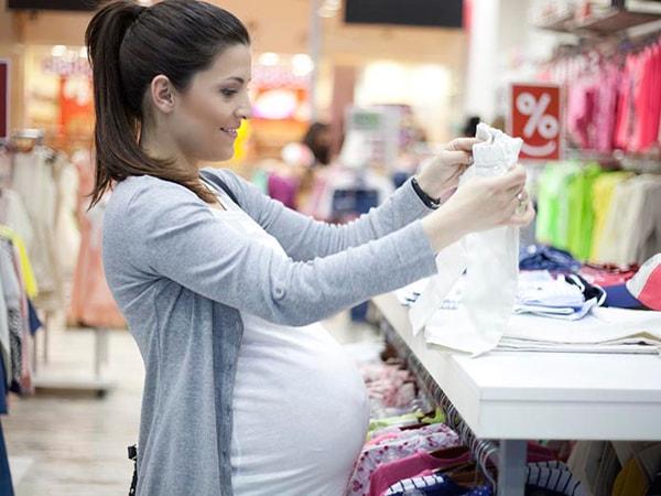 """Cẩm nang thời trang cho mẹ bầu 3 tháng cuối thai kỳ cực """"chất"""""""